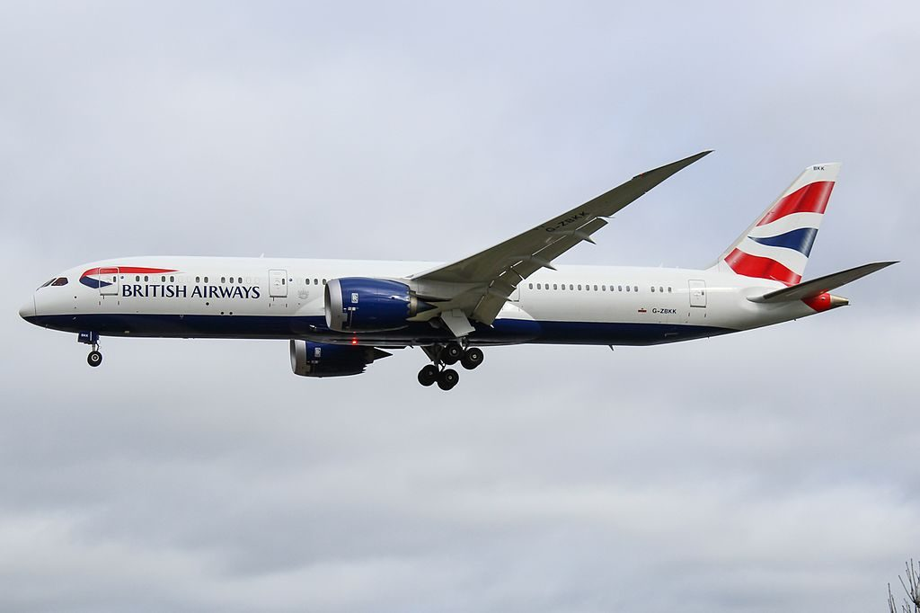 G ZBKK Boeing 787 9 Dreamliner British Airways final approach at Heathrow