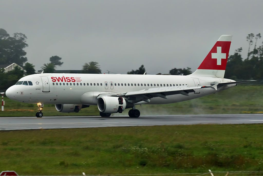 HB IJP Airbus A320 214 Gstaad of Swiss International Air Lines at Porto International Airport