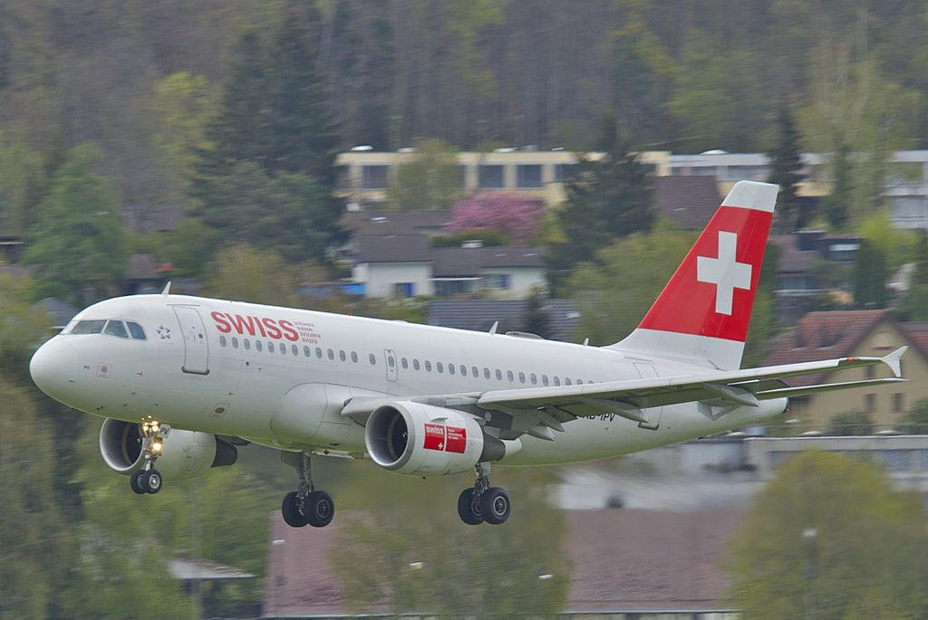 HB IPV Airbus A319 100 of Swiss International Air Lines at Zurich International Airport