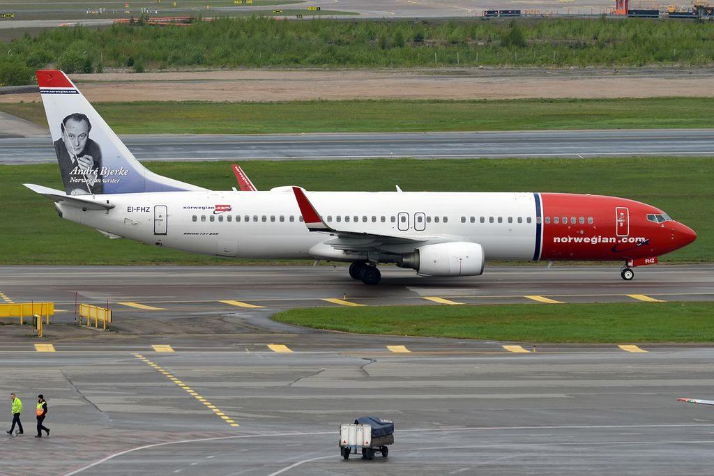 Norwegian EI FHZ Boeing 737 8JPWL Andre Bjerke at Helsinki Vantaa Airport