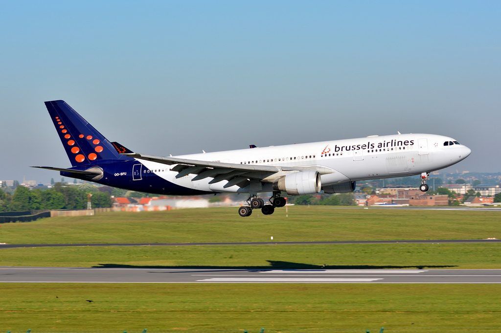 OO SFU Airbus A330 223 Brussels Airlines landing at Brussels Airport