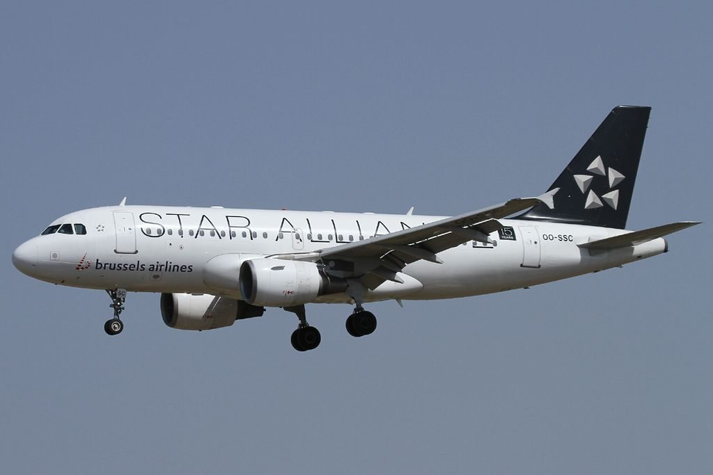 OO SSC Airbus A319 112 Brussels Airlines Star Alliance Livery at Barcelona Airport