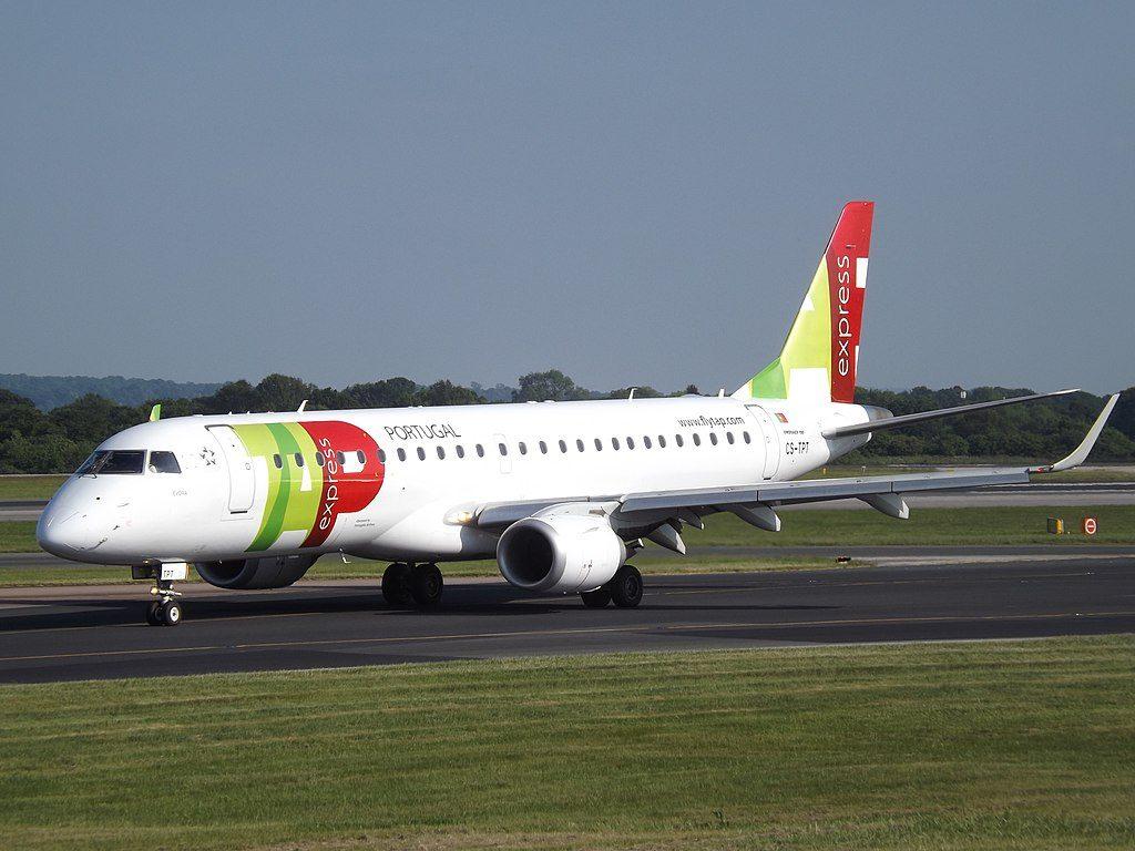 Portugalia TAP Express CS TPT Embraer 190LR Évora at Manchester Airport