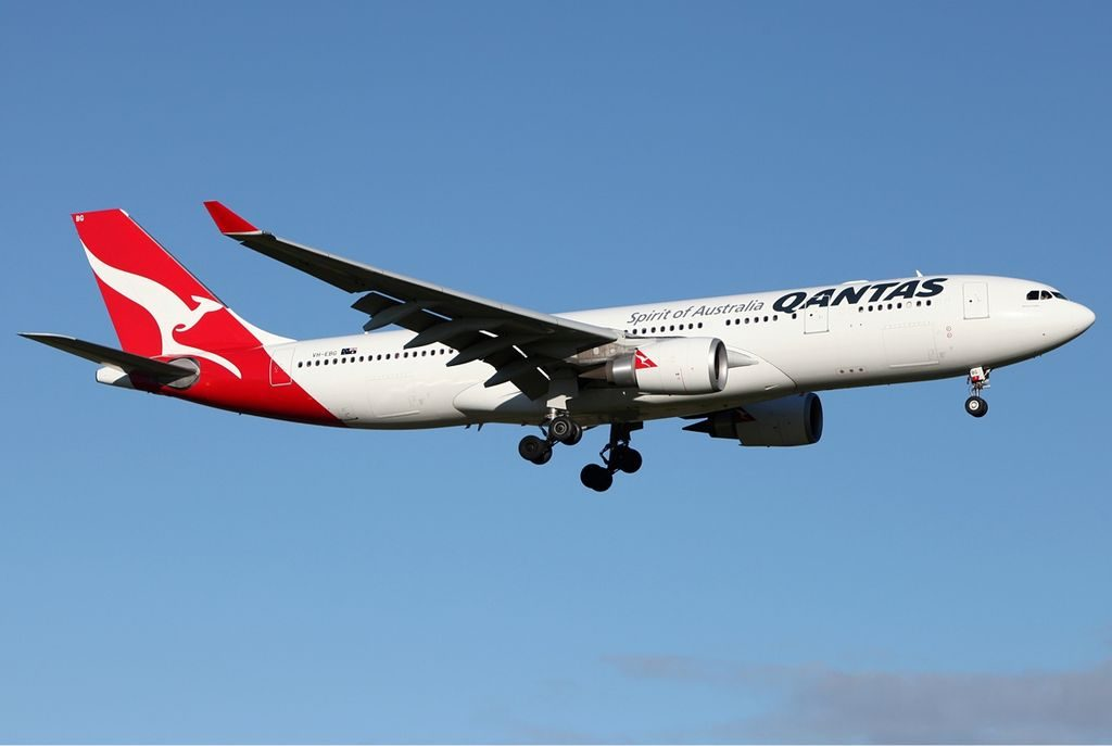 Qantas Airbus A330 200 VH EBG Barossa Valley at Melbourne Airport