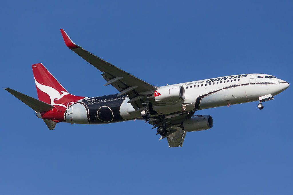 Qantas Boeing 737 838WL VH XZJ Mendoowoorrji livery