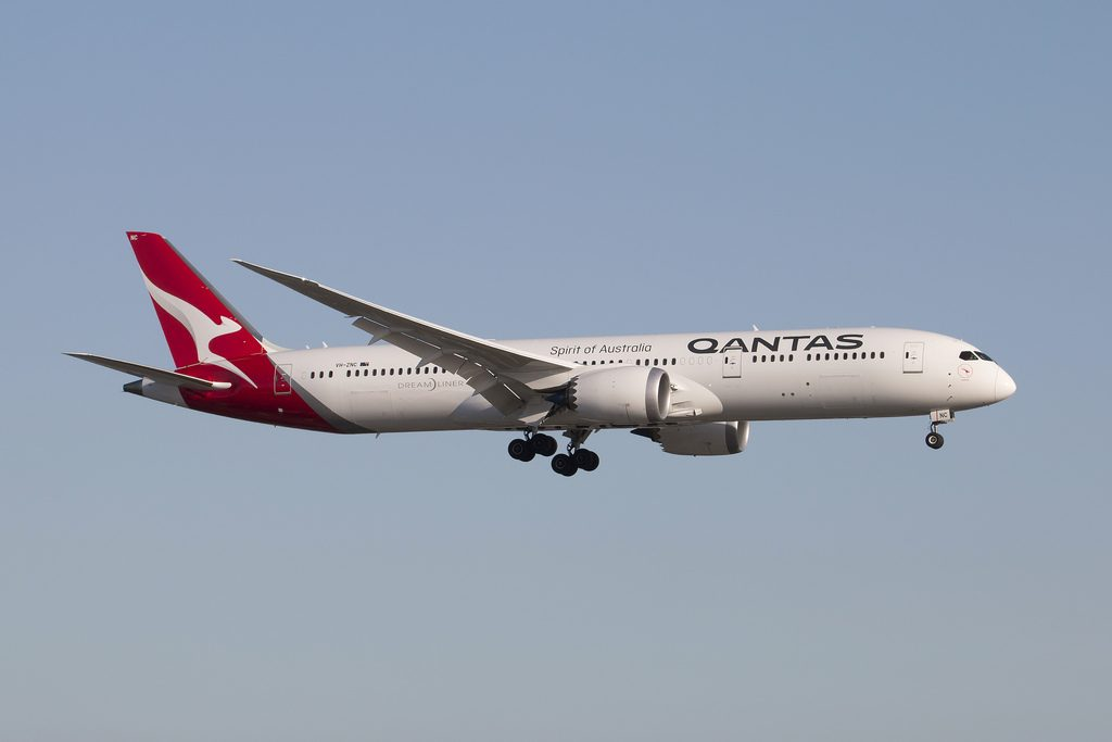 Qantas Boeing 787 9 Dreamliner VH ZNC Quokka on final to 24R at LAX
