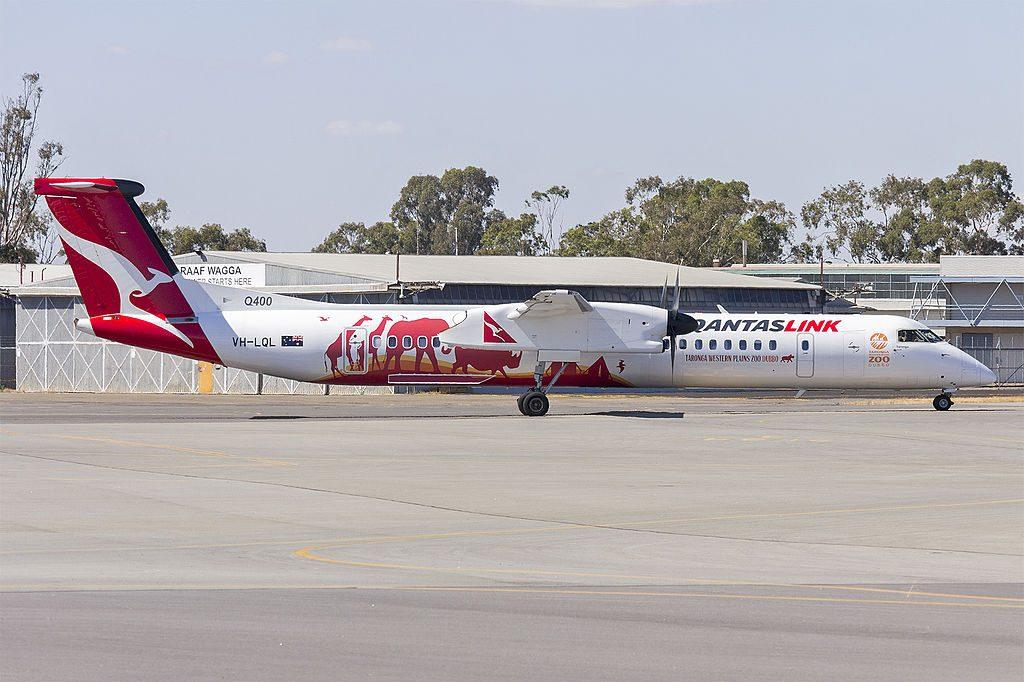 QantasLink VH LQL Bombardier DHC 8 402Q Taronga taxiing at Wagga Wagga Airport