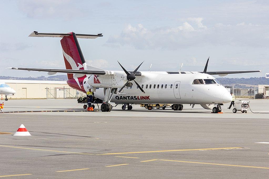 QantasLink VH SBG de Havilland Canada DHC 8 315Q Kiama at Wagga Wagga Airport
