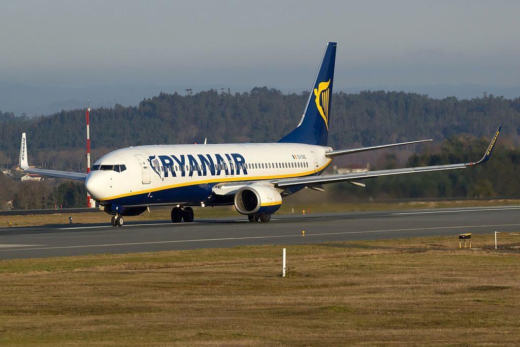 Ryanair EI DAE Boeing 737 8ASWL at Santiago de Compostela Airport