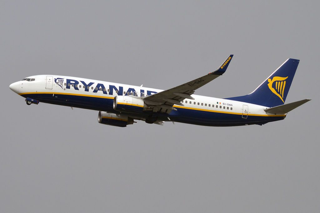 Ryanair EI DAG Boeing 737 8ASWL at Orio al Serio International Airport