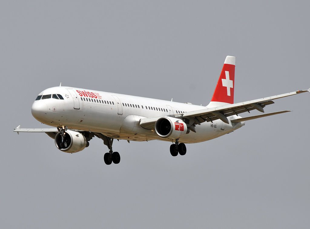 SWISS Airbus A321 111 HB IOL at Barcelona Airport