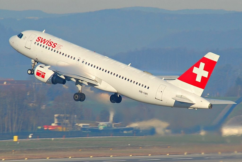 Swiss Airbus A320 214 HB IJH Dübendorf at Zurich International Airport ZRH