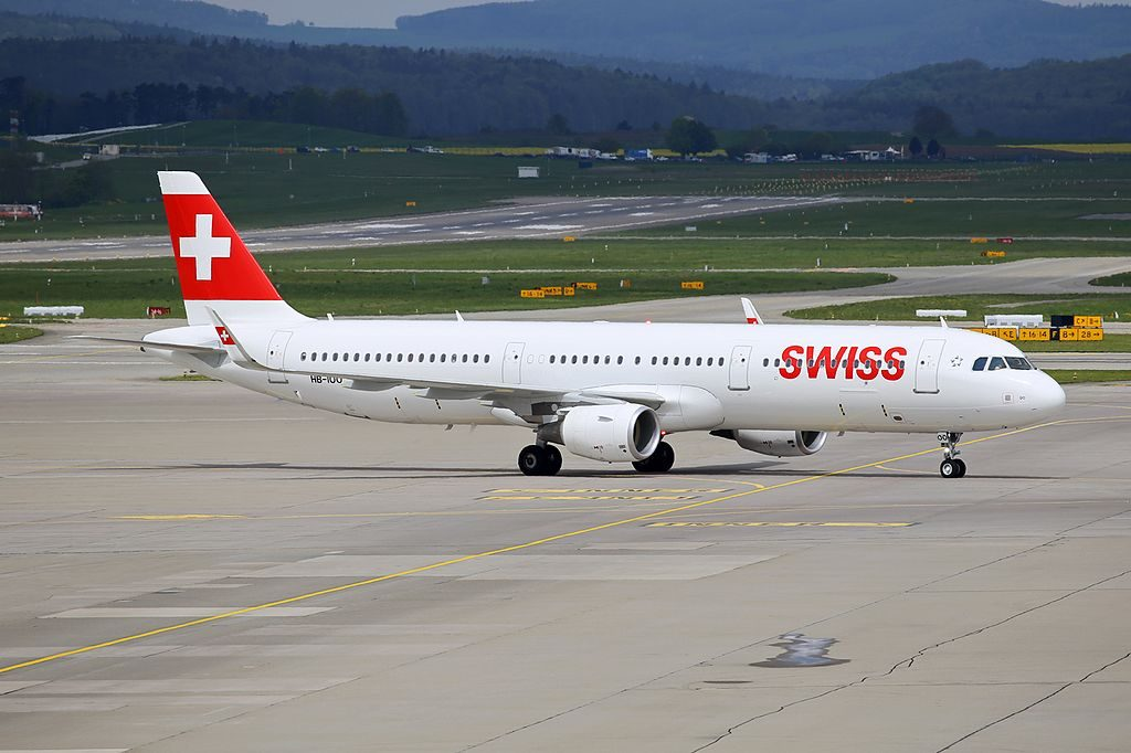 Swiss International Airlines Airbus A321 212WL HB IOO at Zurich International Airport