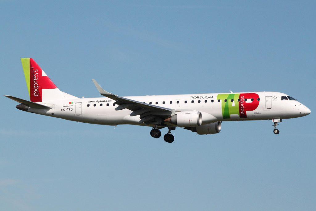 TAP Express Portugália Faro Embraer E190 CS TPQ at London Gatwick