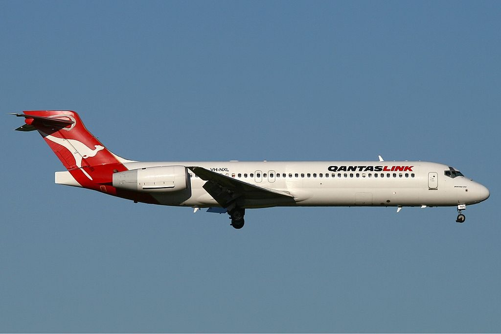 VH NXL QantasLink National Jet Systems Boeing 717 200 final approach at Perth Airport