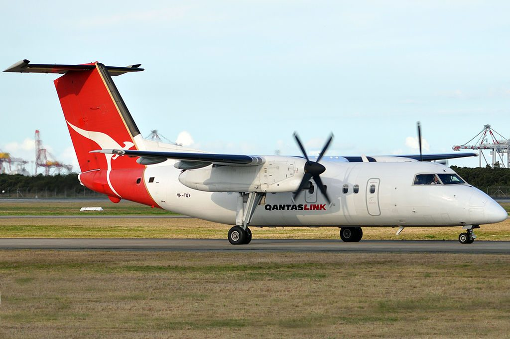VH TQX Bombardier Dash 8 Q202 QantasLink Eastern Australia Airlines Lord Howe Silvereye at Brisbane Airport