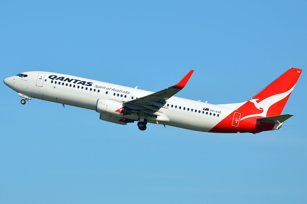 VH VXE Coffs Harbour Boeing 737 838WL Qantas at Brisbane International Airport