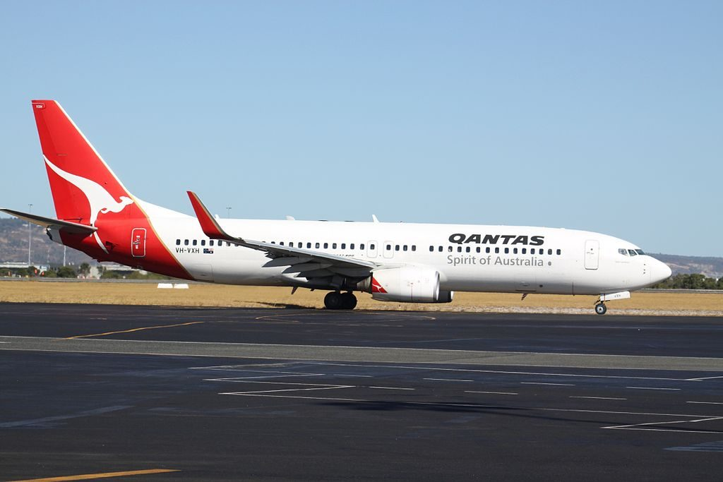 VH VXH Boeing 737 838WL Warrnambool of Qantas at Perth Airport