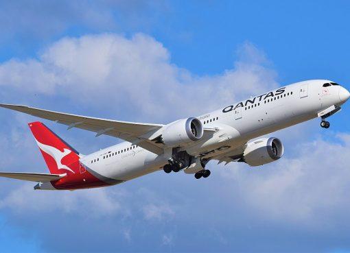 VH ZNA Qantas Boeing 787 9 Dreamliner Great Southern Land departing Adelaide