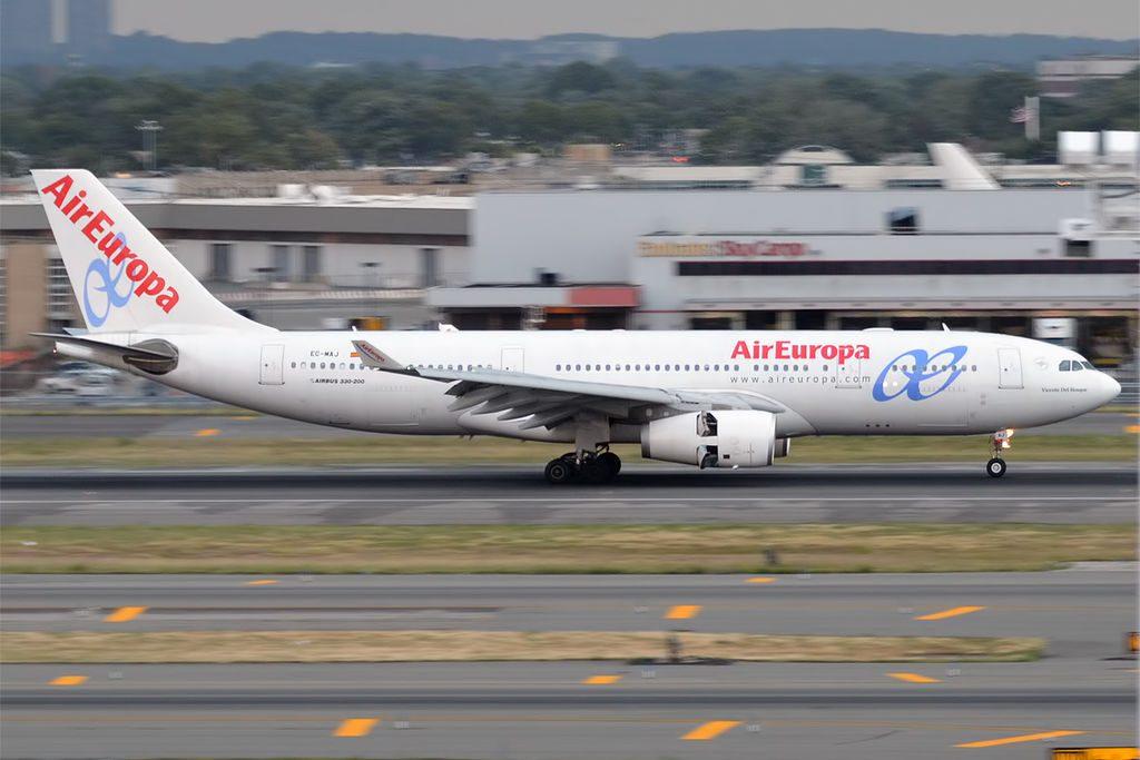 Air Europa EC MAJ Airbus A330 243 Vicente del Bosque at John F. Kennedy International Airport