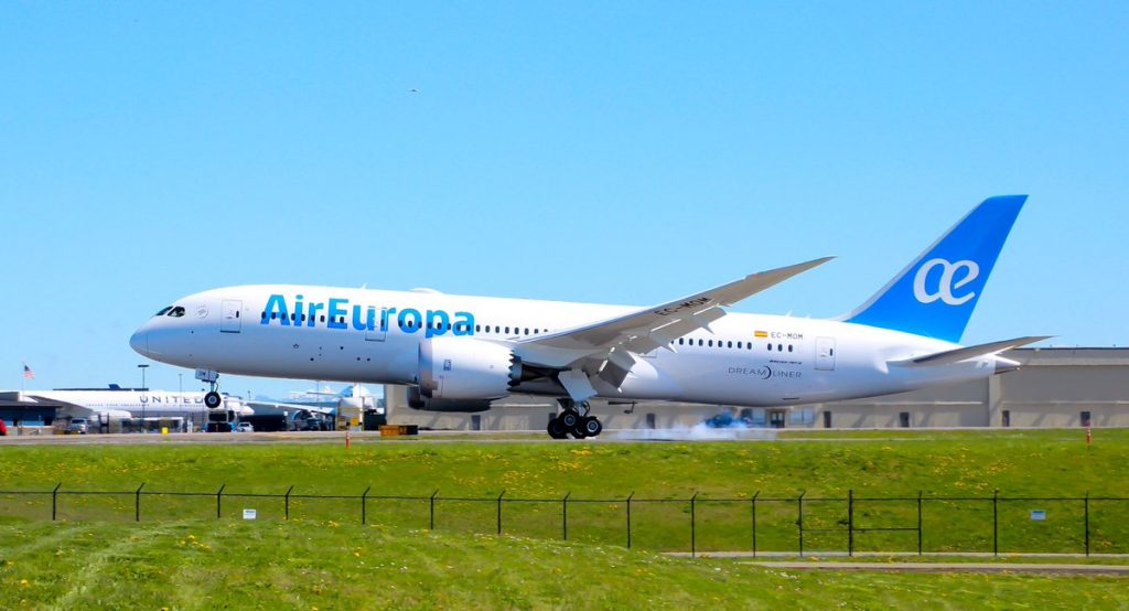 Air Europa EC MOM Boeing 787 8 Dreamliner landing at KPAE after a test flight to KMWH