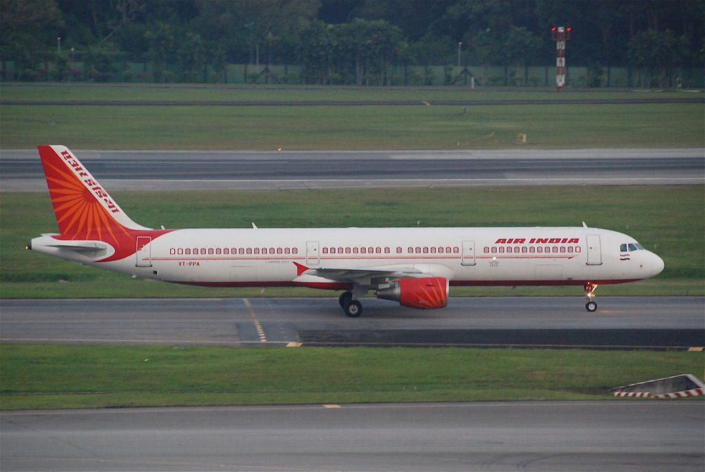 Air India Airbus A321 211 VT PPA at Singapore Changi Airport