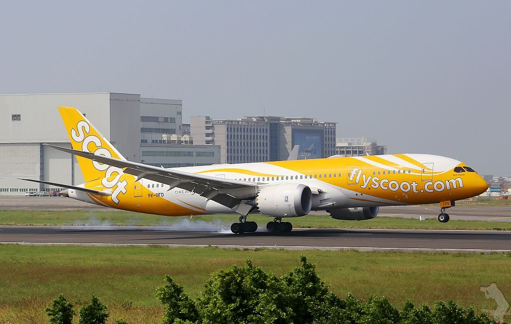 Boeing 787 8 Dreamliner 9V OFD Goin Scootin of Scoot at Taiwan Taoyuan International Airport