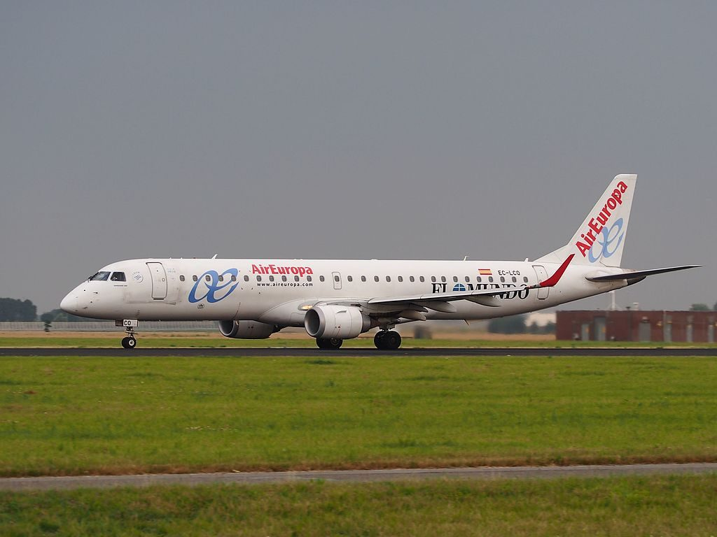 EC LCQ Embraer ERJ 195LR Air Europa Express takeoff from Schiphol