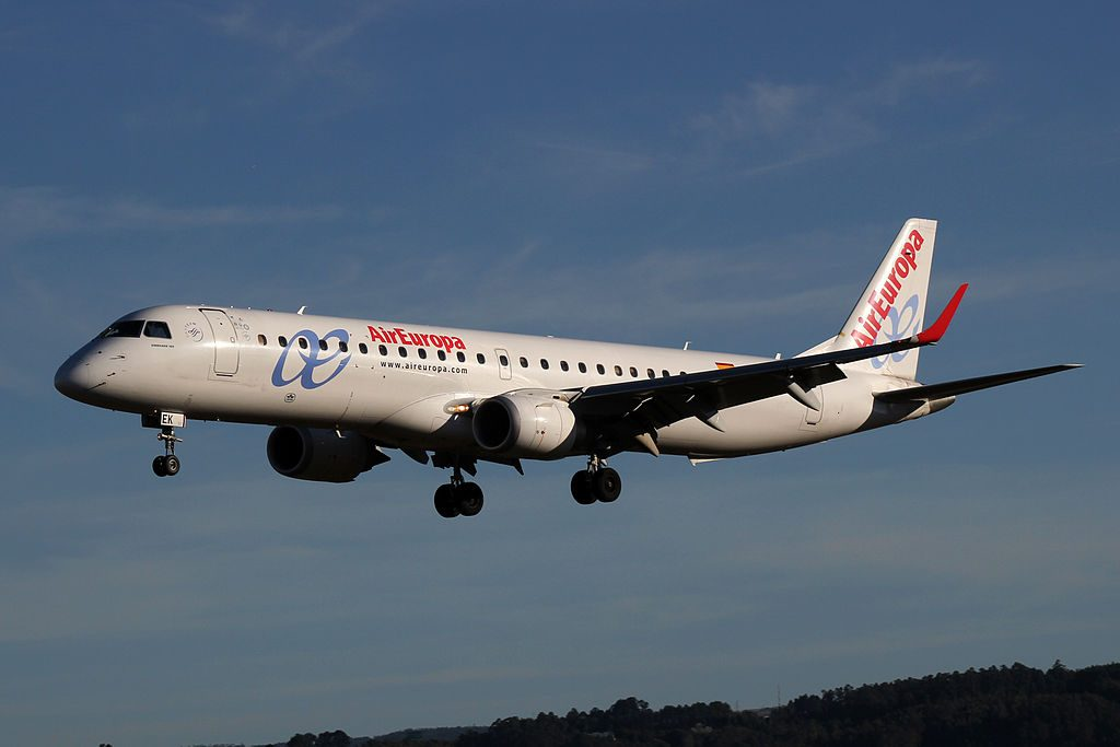 Embraer 195 Air Europa Express EC LEK at A Coruña Airport