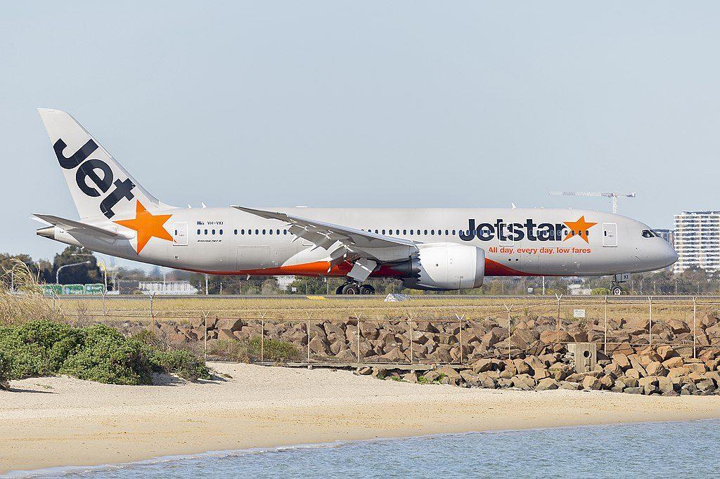 Jetstar Airways VH VKI Boeing 787 8 Dreamliner at Sydney Airport