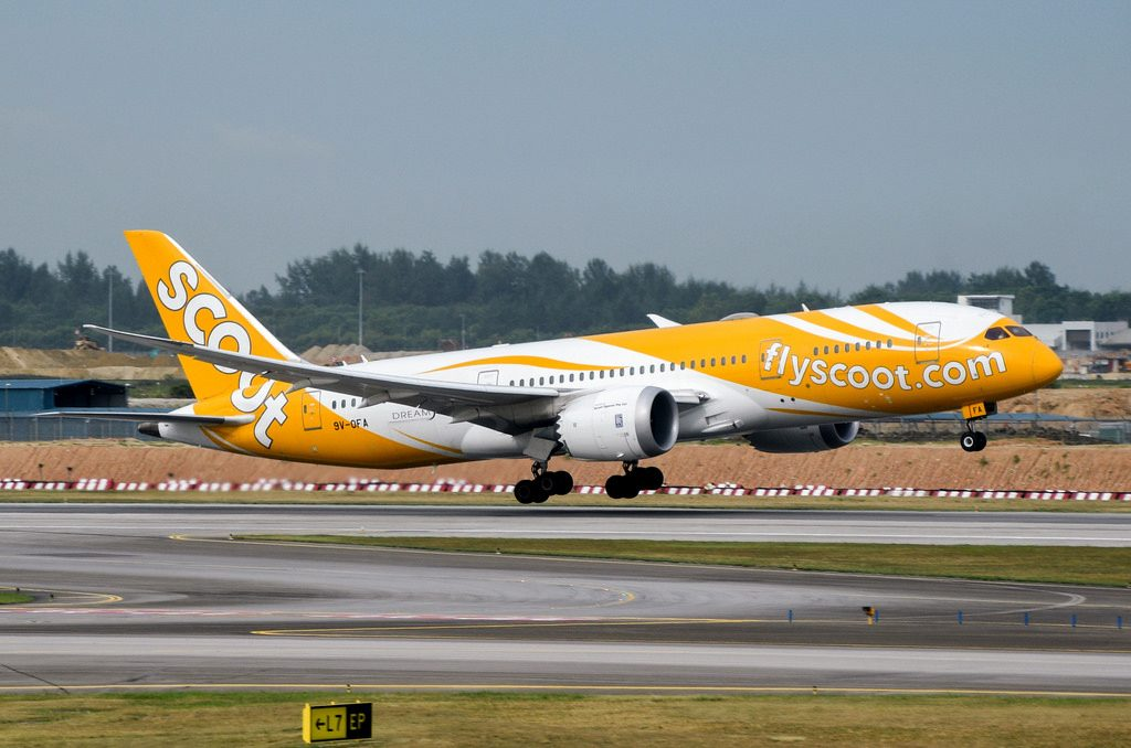 Scoot Boeing 787 8 Dreamliner 9V OFA 八宝 Eight Treasures at Changi Airport