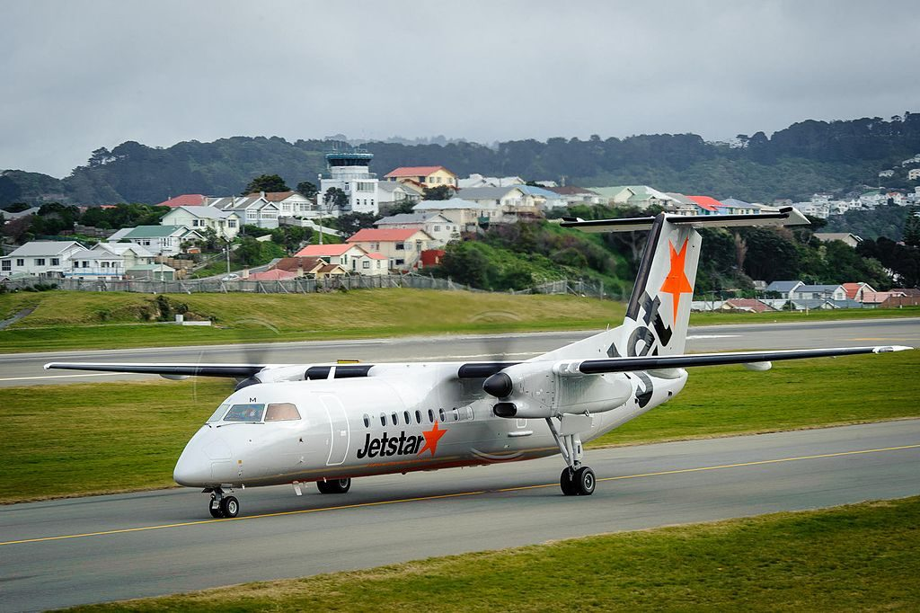 VH TQM Jetstar Bombardier Dash 8 Q300 landing at Wellington Airport