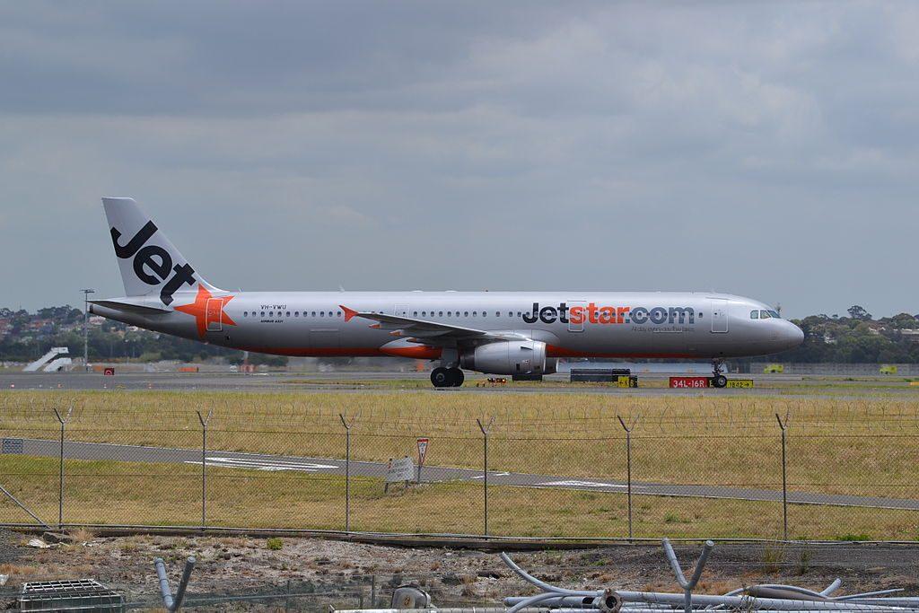 VH VWU Airbus A321 231 of Jetstar Australia at Sydney