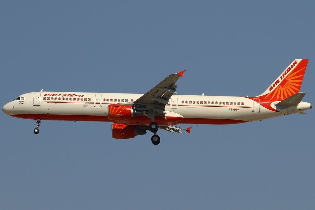 VT PPN Airbus A321 211 Air India at Dubai International Airport