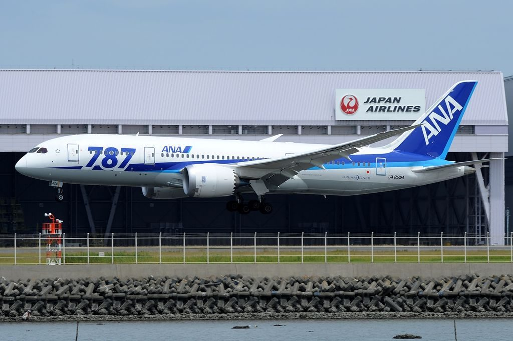 Boeing 787 8 Dreamliner All Nippon Airways ANA JA808A at Tokyo International Airport