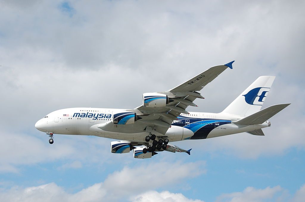 Malaysia Airlines 9M MND Airbus A380 841 on final approach to rwy 27R at Heathrow