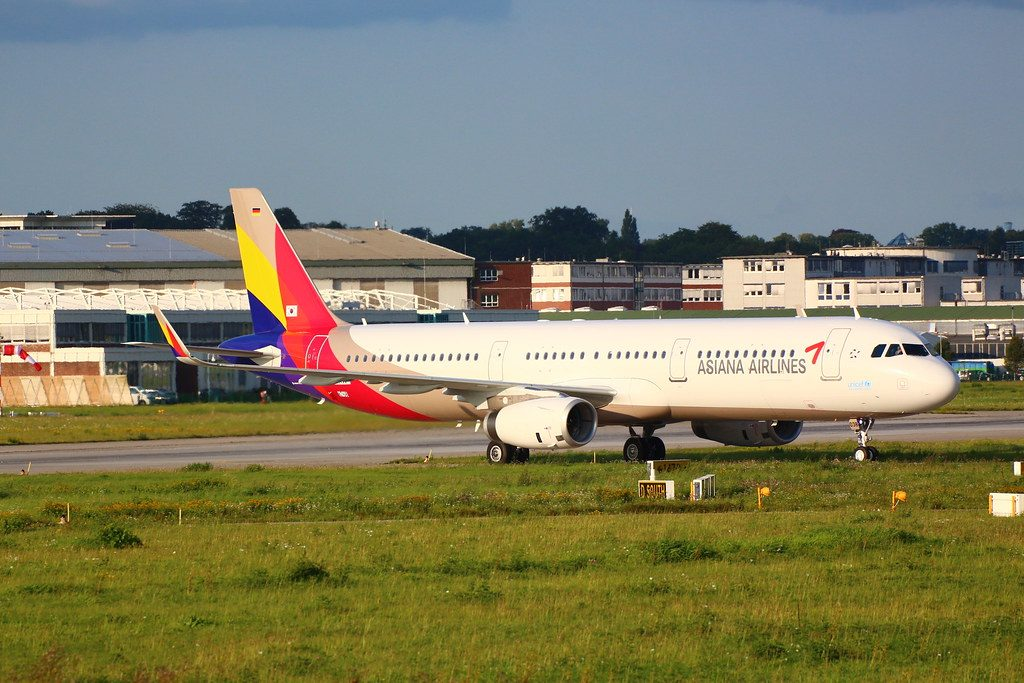 Airbus A321 231WL Asiana Airlines HL8038