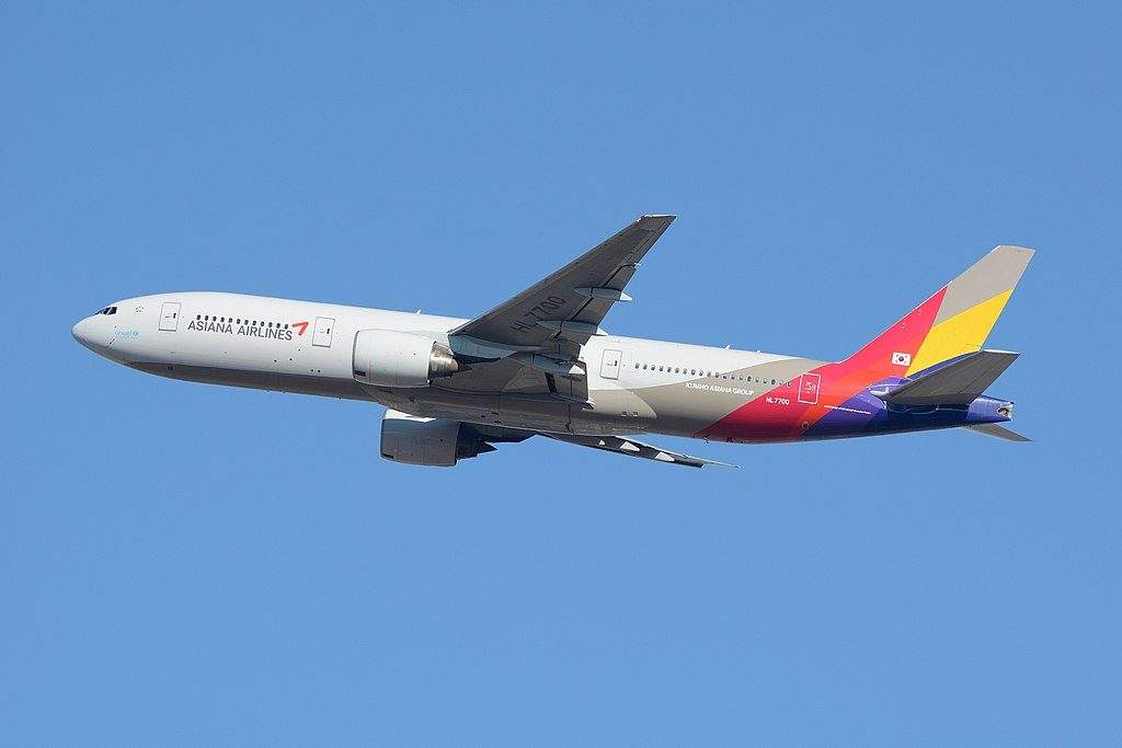 Asiana Airlines HL7700 Boeing 777 28EER at Narita Airport