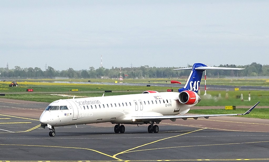 Bombardier CRJ 900ER CL 600 2D24 EI FPK Cityjet Klur Viking SAS Scandinavian Airlines at Tallinn Airport