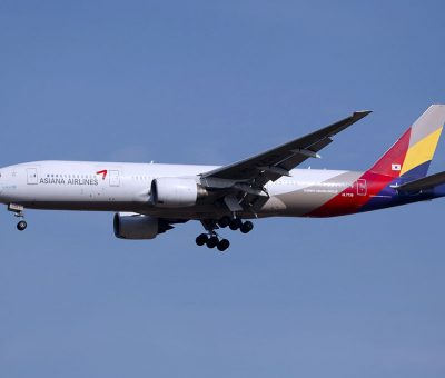 HL7739 Asiana Airlines Boeing 777 28EER at Incheon International Airport