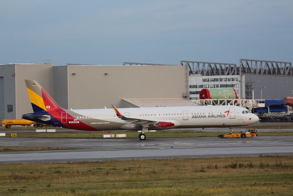 HL8074 Airbus A321 231WL Asiana Airlines at XFW