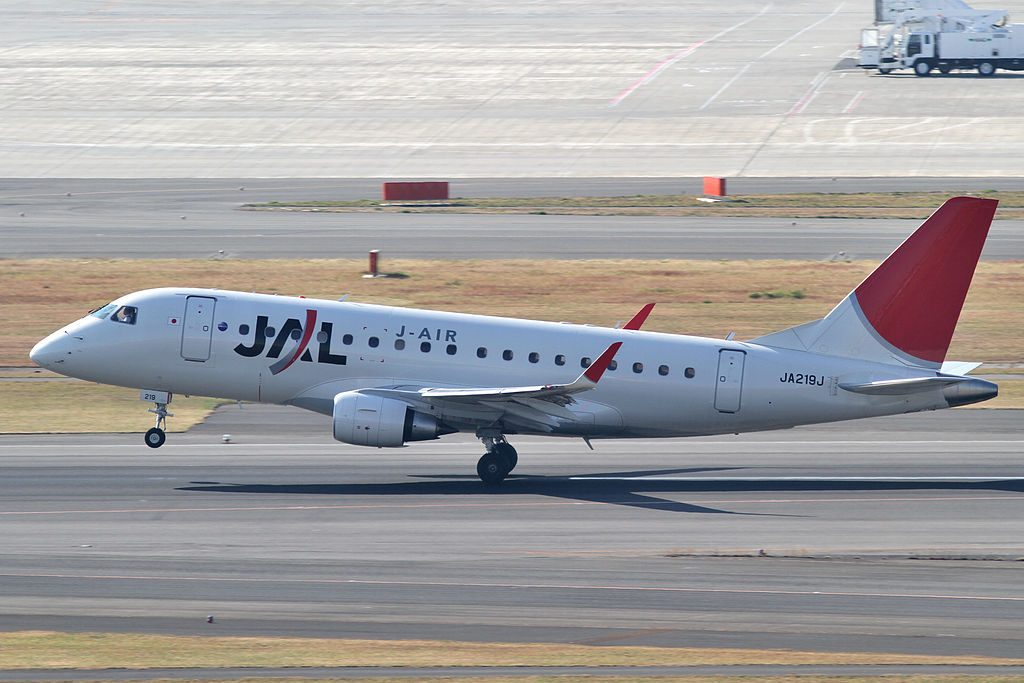 JA219J Embraer 170STD JAL J Air at Tokyo International Airport
