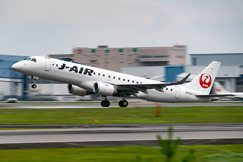 JA242J Embraer 190 JAL J Air at Osaka International Airport