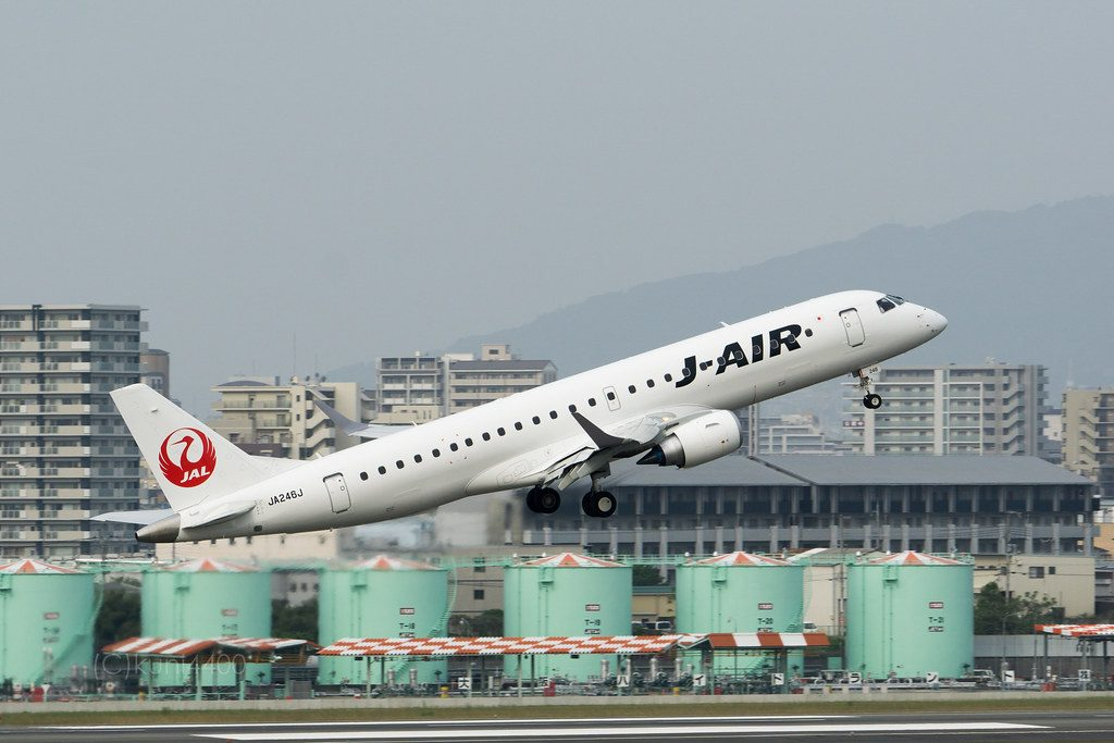 JAL J Air JA246J Embraer ERJ 190STD at Itami Airport