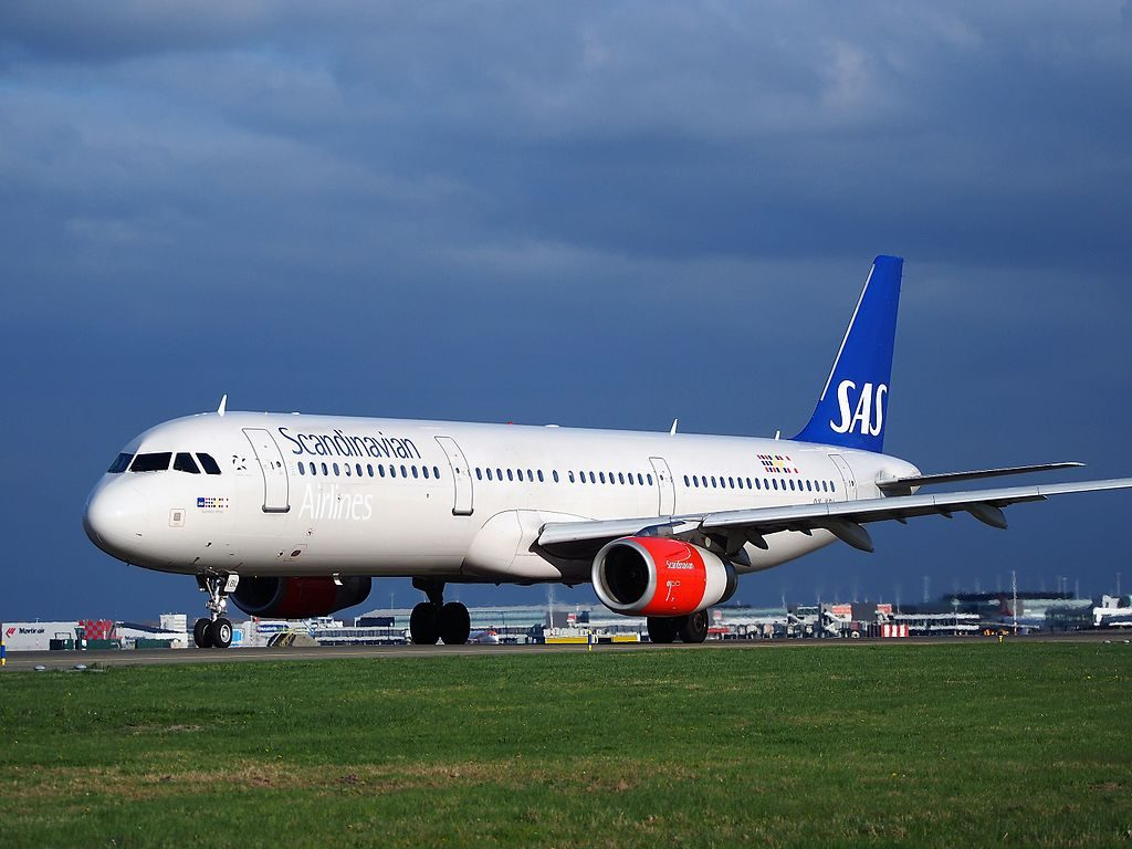 OY KBL SAS Scandinavian Airlines Airbus A321 232 Gunnbjörn Viking at Schiphol