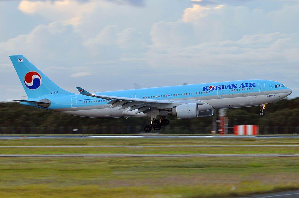 Airbus A330 223 HL7539 Korean Air at Brisbane Airport