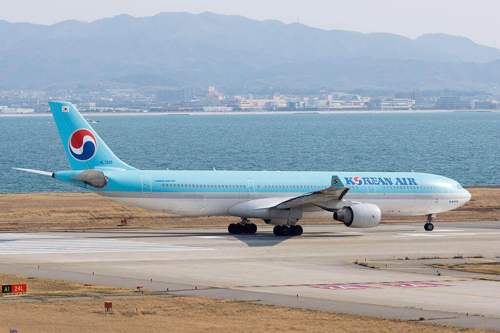 Airbus A330 322 HL7525 Korean Air at Kansai International Airport