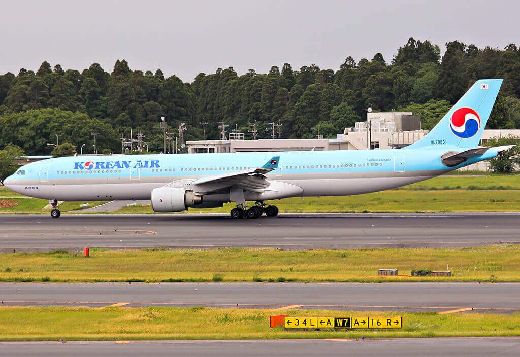 Airbus A330 323 HL7553 Korean Air at Narita International Airport