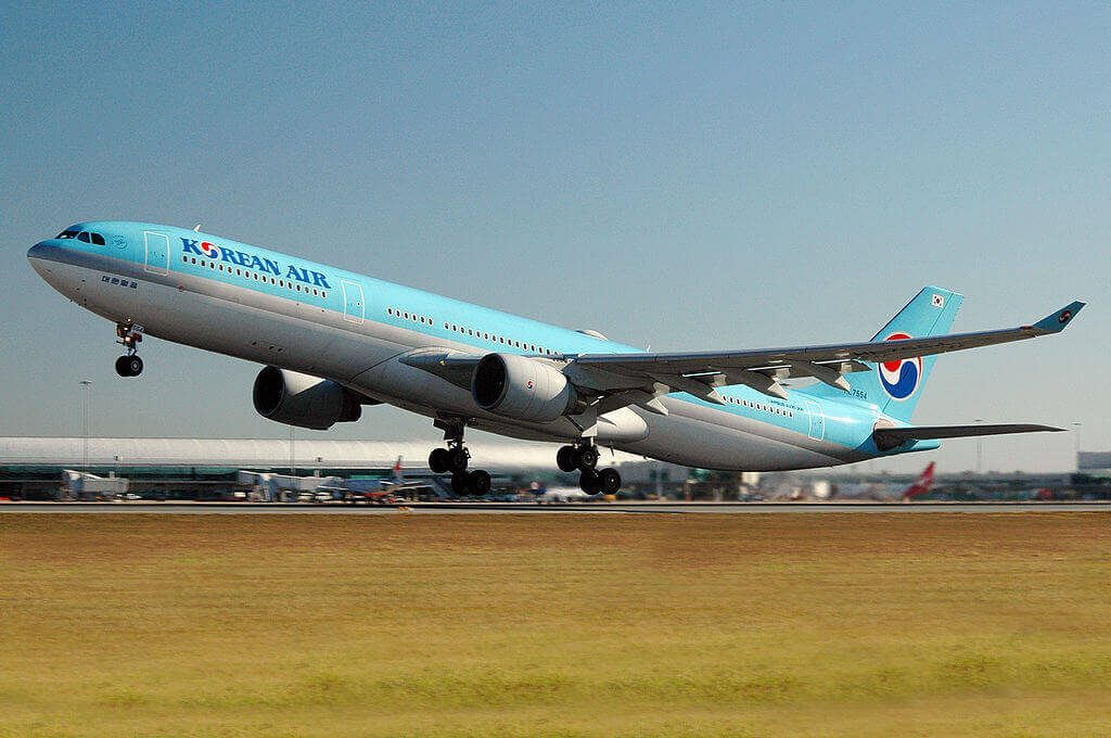 Airbus A330 323 HL7554 Korean Air at Brisbane Airport