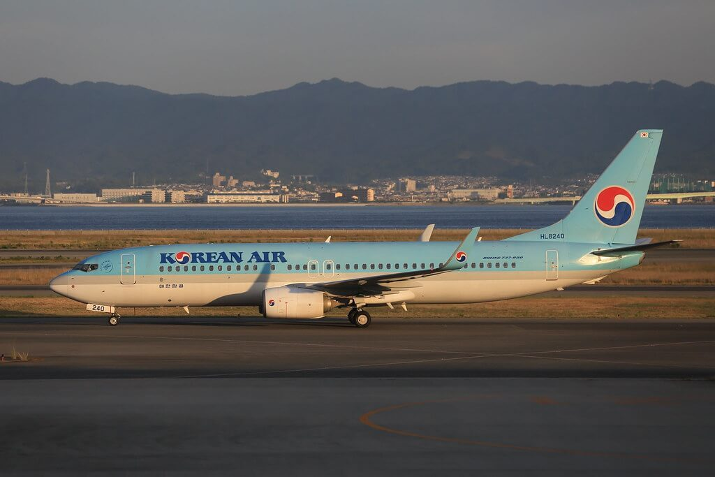 Boeing 737 8BKWL Korean Air HL8240